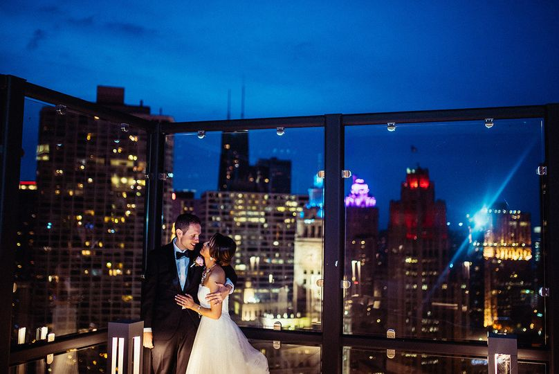 creative chicago city wedding photos