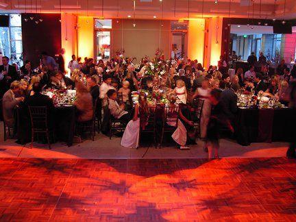 Dinner lighting look at a fall wedding