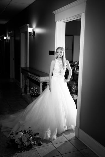 Beautiful bride black & white