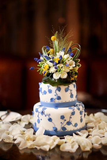peppernixphotography 021914 lg wedding cake 2
