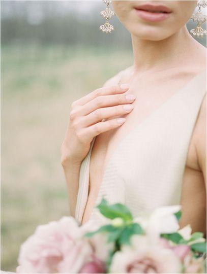 89fe0f9dfae80526 1531767975 cc97fc12c91a9ba9 1531767971819 103 bride and groom