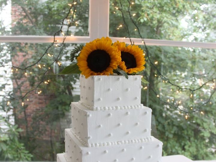Tmx Sunflower Wedding Cake2 834x1024 51 780286 West Roxbury wedding cake
