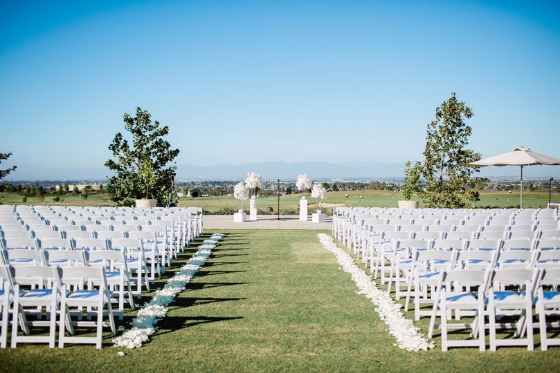 Rolling Hills Country Club - ceremony setup