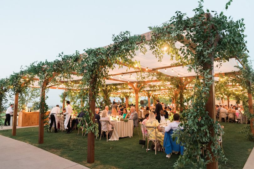 Skyline Event Lawn - romantic lighting