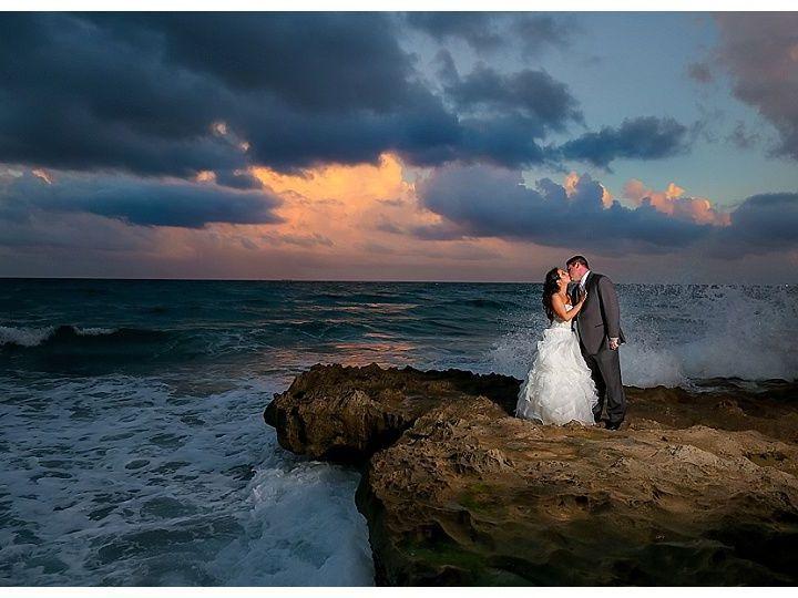 Tmx 1531584333 Af7a5c89d73c1c37 1531584332 Bc43b27d14e04b99 1531584331729 3 2018 07 07 0005 Palm Beach Gardens, FL wedding photography