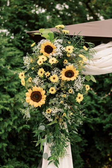Sunflower arch piece