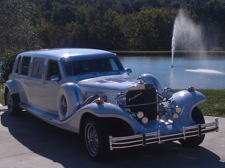 Tmx 1474996919704 Limo With Fountain In Background Raleigh wedding transportation