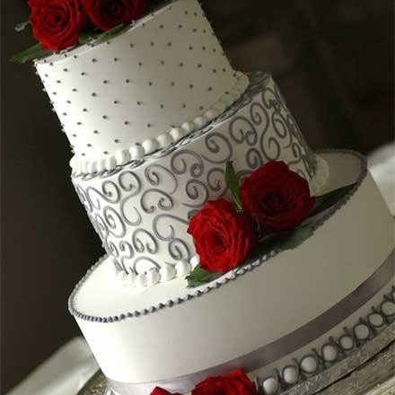 Wedding cake with grey detailing and roses