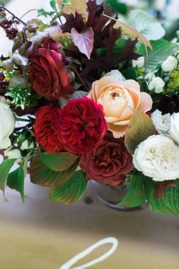 forage fleur flowers atlanta ga weddingwire. Black Bedroom Furniture Sets. Home Design Ideas