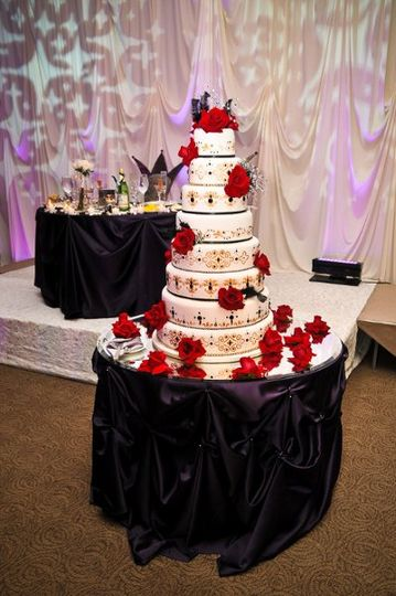 8 layered wedding cake