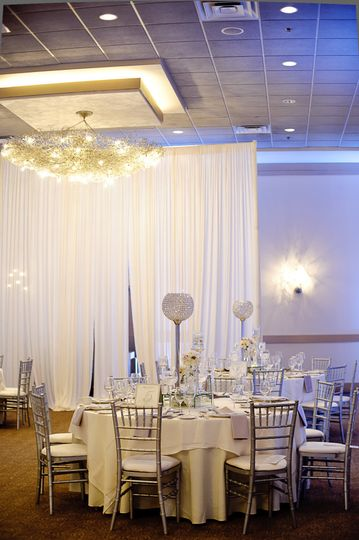 Wedding table with centerpiece