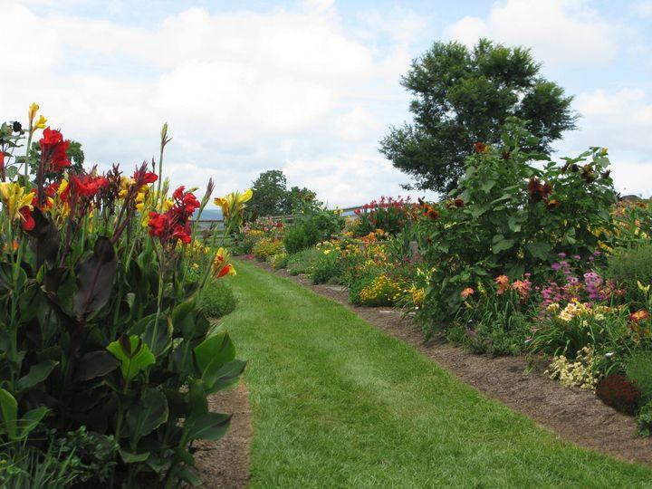 Feature Gardens