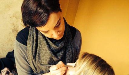 Angela Teani Make up