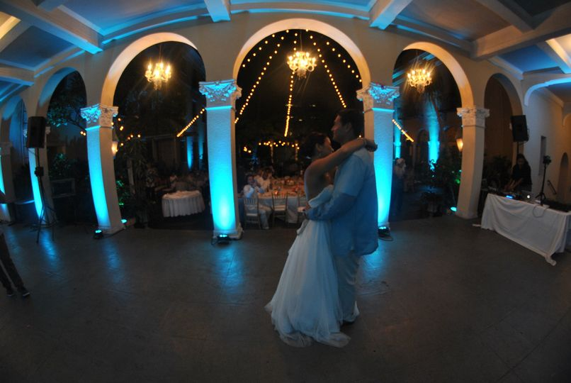 First dance, beautiful cyan uplighting