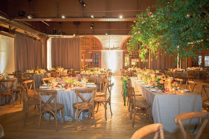 ca4581c4b74779e2 1538315587 1b00ac4382748829 1538315587048 5 Wedding with green