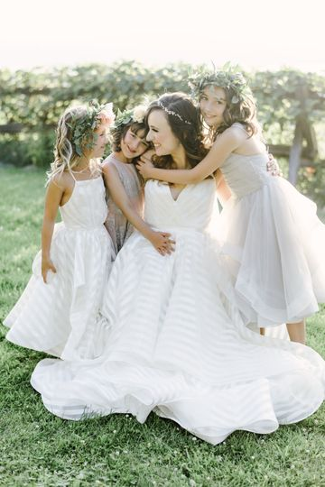 Matching bride & flower girl
