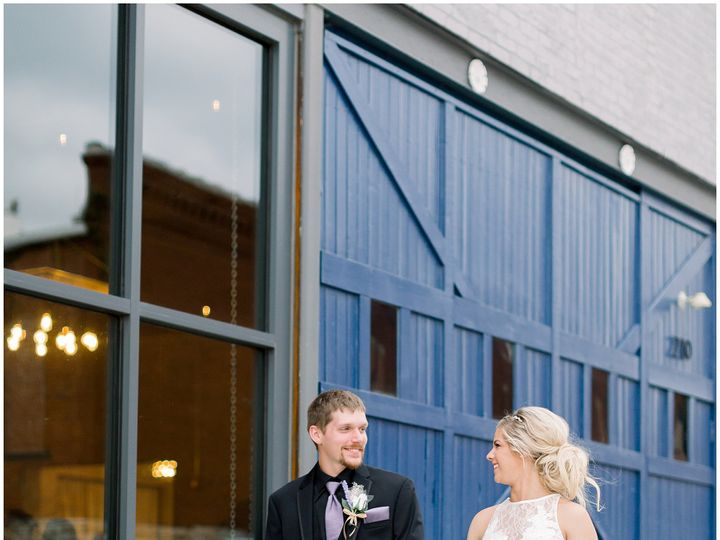 Tmx Natural Light Wedding Photography Kansas City Sb2018 Elizabeth Ladean Photography Photo 1159 51 947686 Harrisonville, MO wedding venue