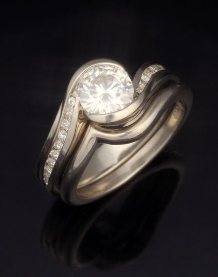 cwve carved wave engagement ring with plain contou