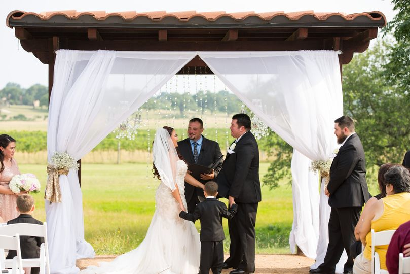1886bd8dc41e27a6 1515689927 fe37e098cd12fe17 1515689448000 4 amber mike wedding