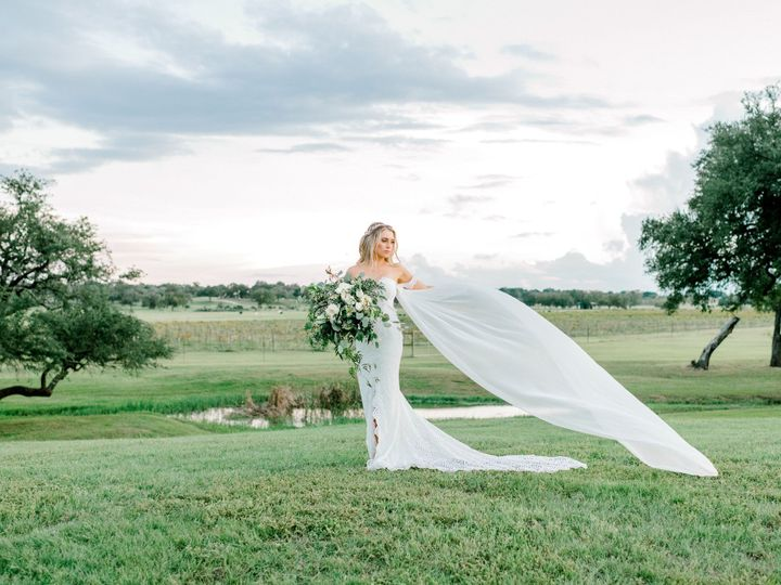 Tmx Katepanzaphotography Thevineyardatflorencegulituswedding 5915 51 156786 157850078038583 Florence, TX wedding venue
