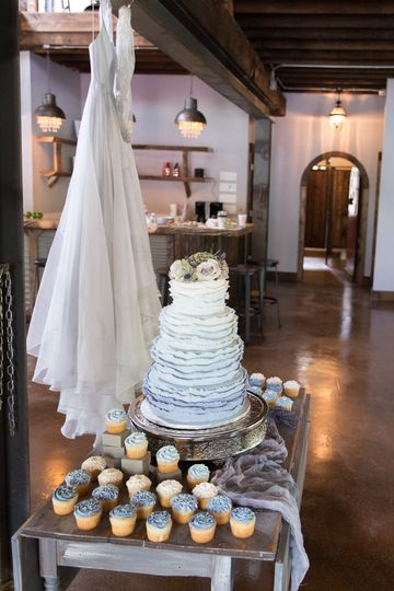 800x800 1504019557593 nick natasha studio styled wedding sinclair of ska