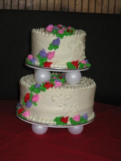 One of our Many Wedding Cakes we have done.... Yummy!!!