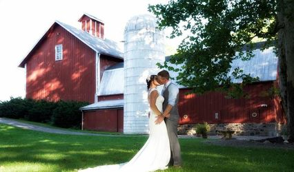 Toganenwood Estate Barn Weddings / Events Center 3