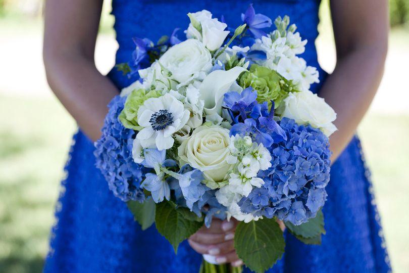 the flowerfall flowers westport ct weddingwire. Black Bedroom Furniture Sets. Home Design Ideas