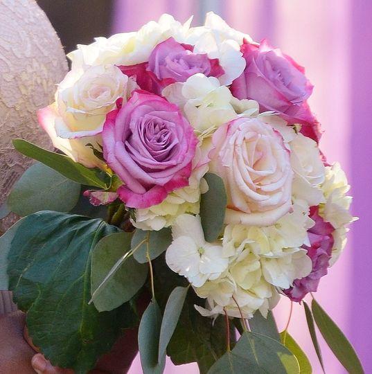af851fff1ad03b8a 1523407011 c732b0ff9b4759fb 1523407003740 1 pink bouquet