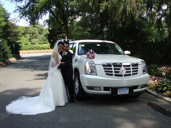 Wedding at Woodbury Country Club Escalade Limo