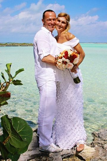 destination wedding exuma bahamas coupl