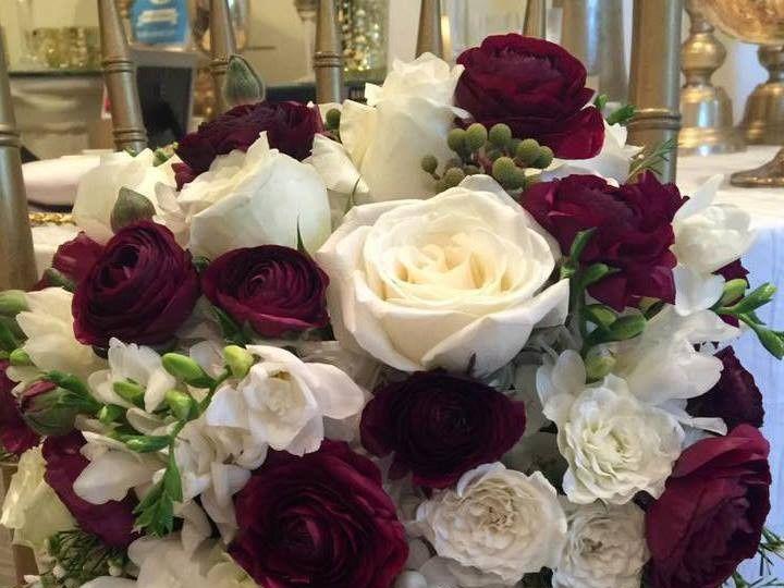 Tmx 1486611353325 1461092011768078323652653707494994955388410n Auburn Hills, Michigan wedding florist