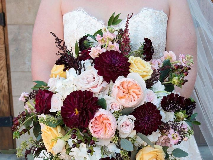 Tmx 1524775387 E0d2f8b757278c08 1524775386 Ad5da211fb95b91b 1524775383858 1 FB IMG 15093729674 Broken Arrow, Oklahoma wedding florist