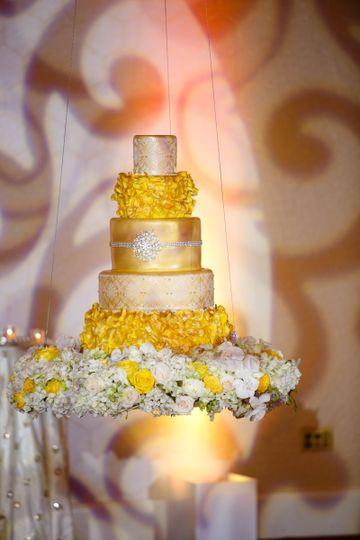 Elegant Nuptials Couple's Cake | Suspended Cake