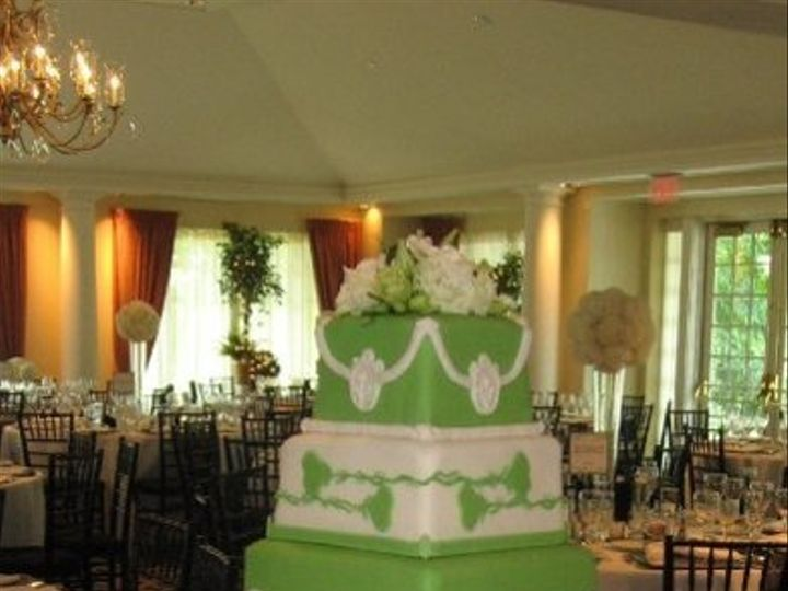 Tmx 1332786875573 1968449028229734320n Titusville wedding cake