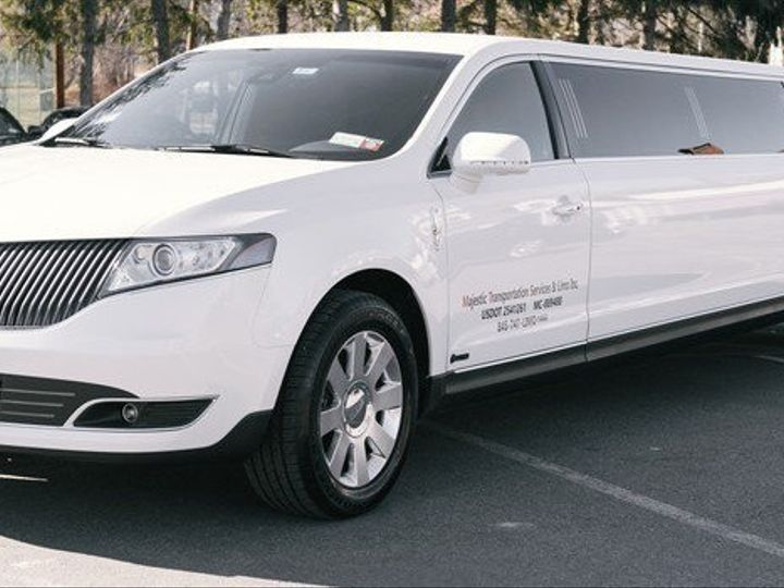 Tmx 8 Passenger Lincoln Mkt Limo Detail 51 716096 157453504739069 Monroe, NY wedding transportation