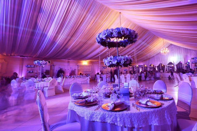 Glamorous dinner decor