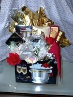 This champagne theme box is great for a honeymoon or wedding night. Includes crackers, smoked...