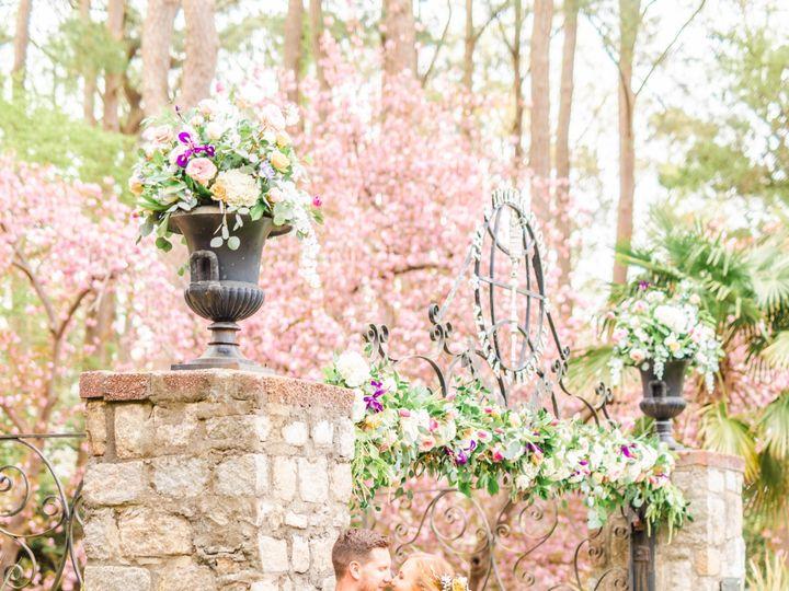 Tmx Dsc 1387 51 913196 1557246811 Smithfield, VA wedding florist