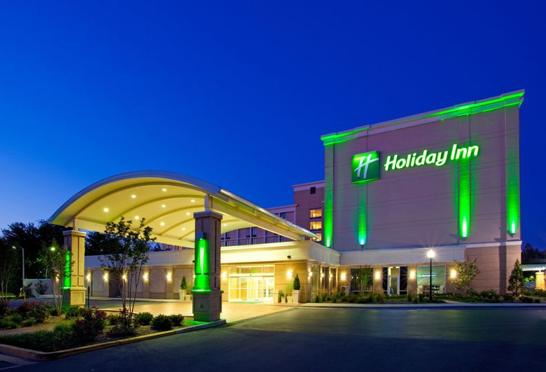 Book your Wedding at the Holiday Inn Gaithersburg!