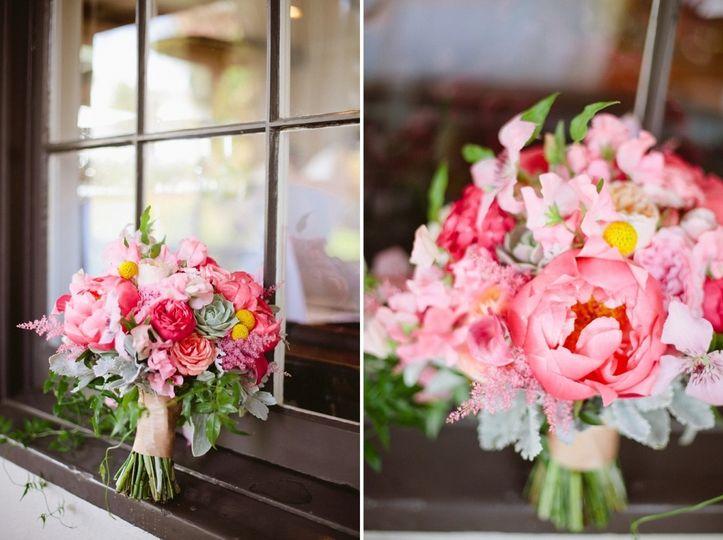 dear darling photography bride bouquet mauve pink