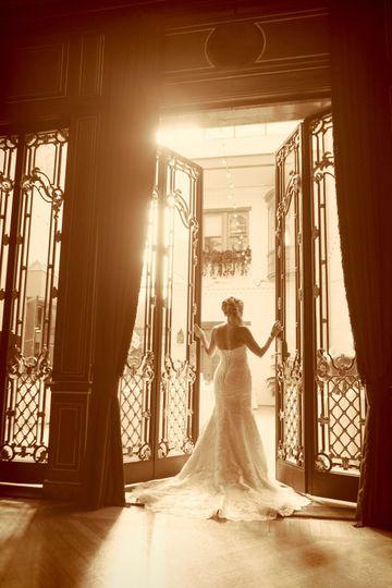 Glorious bridal pose