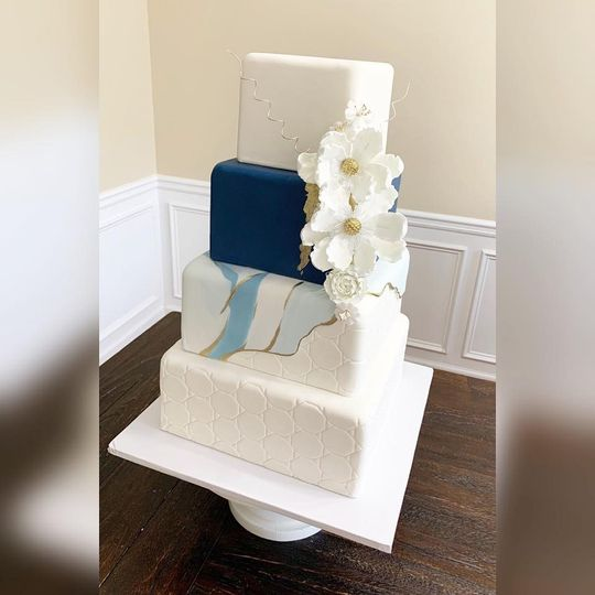 Modern navy blue marbled cake