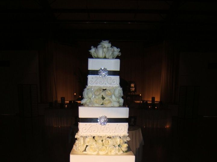 Tmx 1495413172834 Wedding Cake 52 Buford, Georgia wedding cake