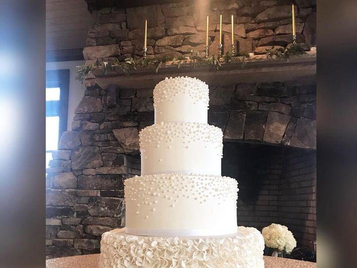 Tmx 26229977 1398931486885643 8883998466226893703 N 1 51 970296 V1 Buford, Georgia wedding cake