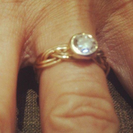 Mounted diamond on 2strand turkshead band