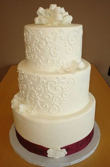 Classic, was created for a small Wedding at the couples home.