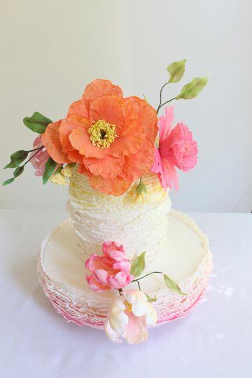 Sugar Frill Cake & Flowers