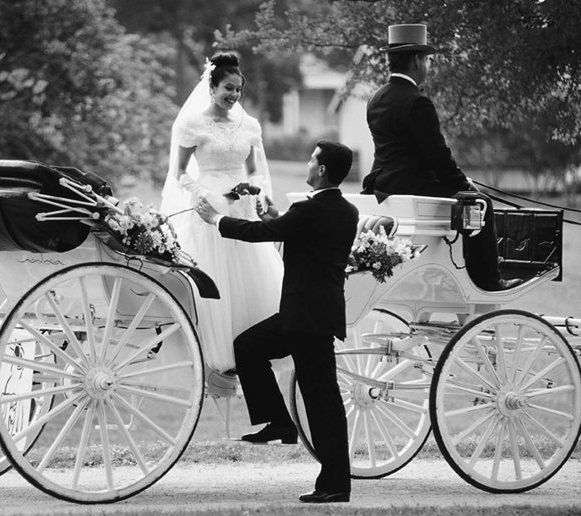 weddingphotographercarriageengagementbw