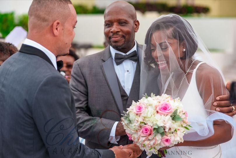 assort blush bridal bouquet 51 123396 158015635273211